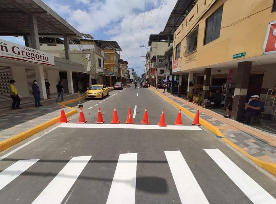 En Manta Municipio inaugura varias obras por 98 años de cantonización