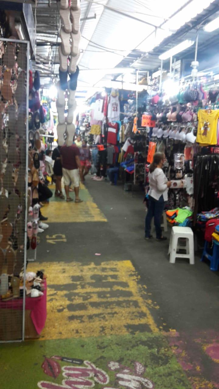 En Portoviejo comerciantes desesperan por las bajas ventas