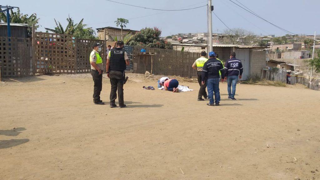 Lo asesinan de varias puñaladas en la espalda