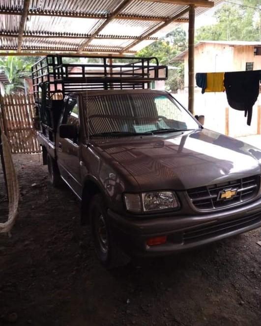 Flavio Alfaro, le compraron su vehículo con un cheque sin fondos