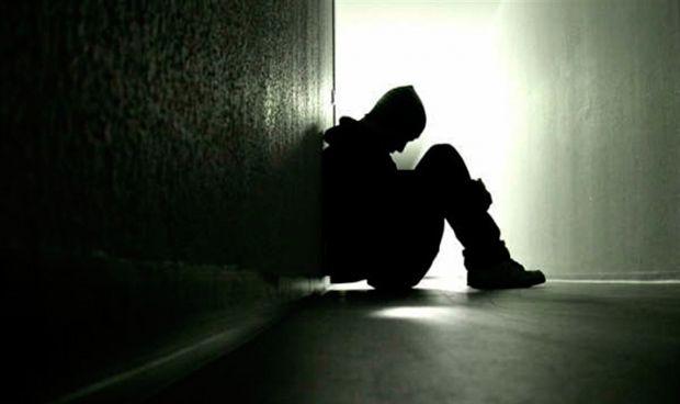 En Manta un joven se intenta suicidar lanzándose del quinto piso del edificio Bedoya