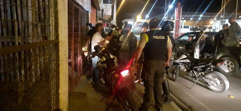 Portoviejo, Sancionan a dueños de dos casas por exceso de personas