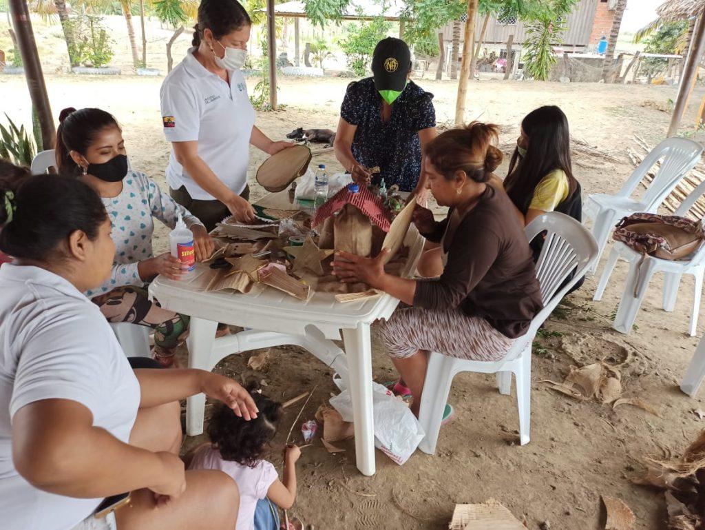 En Manabí se inicia campaña para evitar la comercialización ilegal de musgo