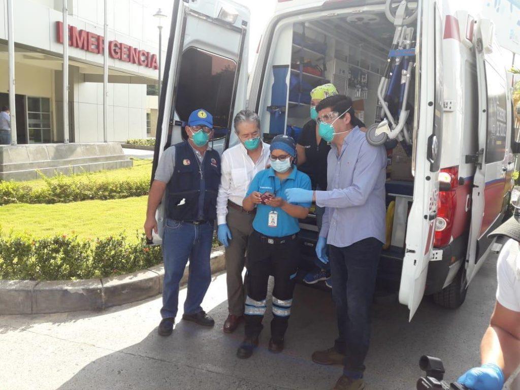 Portoviejo, ambulancia nueva tiene 9 meses guardada por falta de un seguro