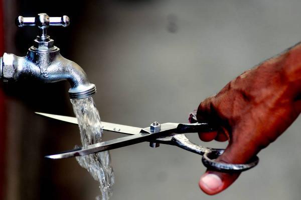 Manta. Cortarán el servicio de agua potable a quienes no estén pagando